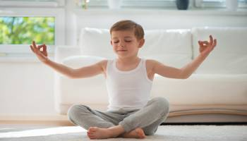 Monitor de Yoga Infantil